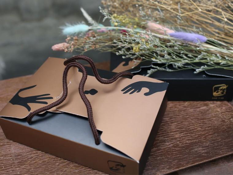 [埕憶菓子工坊] 家圓禮盒:BD款10入法式牛軋糖+6入法式爆漿牛軋餅+8入法式雪雲千層派 (奶蛋素) 1盒
